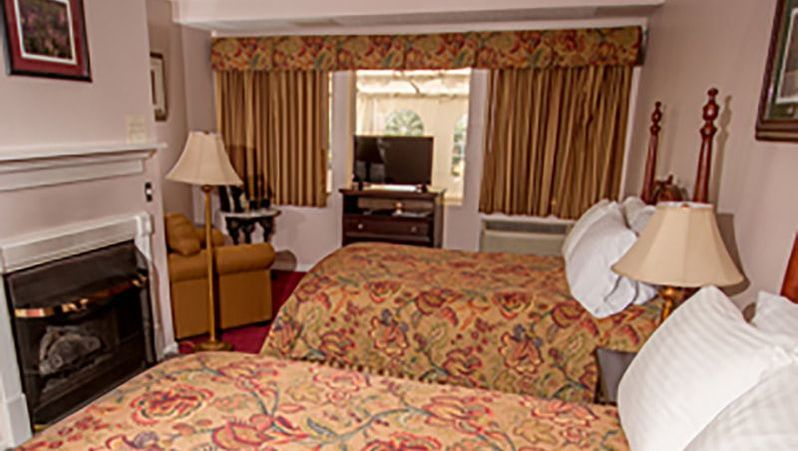 Lucerne Inn Double Double Room Interior